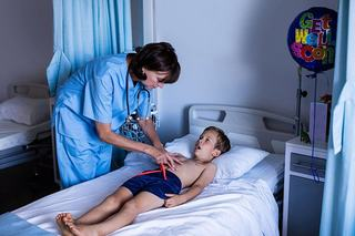 Cum sa descoperi, la timp, apendicita la copii