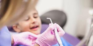 Ce trebuie sa stie parintii cand isi duc copiii la dentist, dupa ce un baietel s-a stins din cauza anesteziei