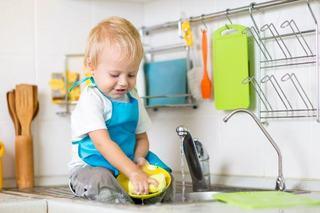 Curatenia de primavara, trucuri pentru implicarea intregii familii