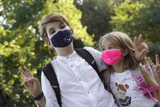 Masti de protectie pentru copii: kitul de siguranta la scoala