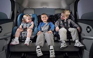 Calatoria cu copiii in masina