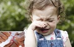 Deochiul la copii: ce este, cine deoache, cum alungi energiile rele