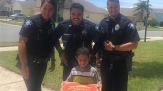 Ce a patit un baietel de 5 ani care a sunat la numarul de urgenta pentru ca ii era foame