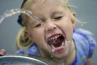 Alimente care hidrateaza organismul copilului tau