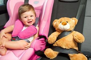 Copilul are accese de furie cand il pui in scaunul de masina, ce faci?