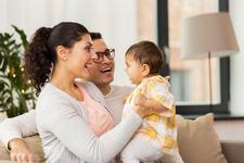 Cand bebelusul incepe sa vorbeasca si doar mama il intelege... se numeste dragoste