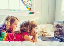 Cum inveti copilul sa navigheze in siguranta pe internet