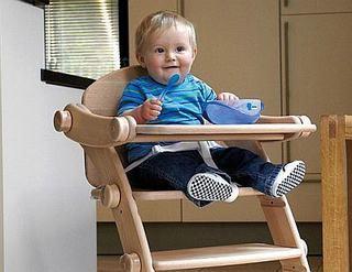 Cum alegi scaunul de masa pentru bebelus