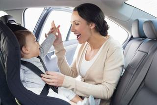 Beneficiile scaunului auto cu sistem rear facing prelungit pentru copii