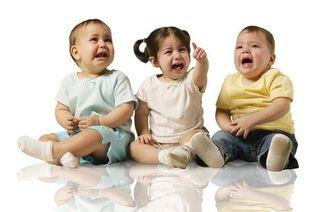 6 lucruri urate pe care bebelusii le fac in public