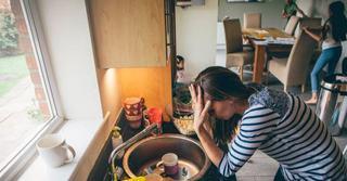Sa fii mama cu norma intreaga NU este usor: scrisoarea unei mame obosite care a devenit virala