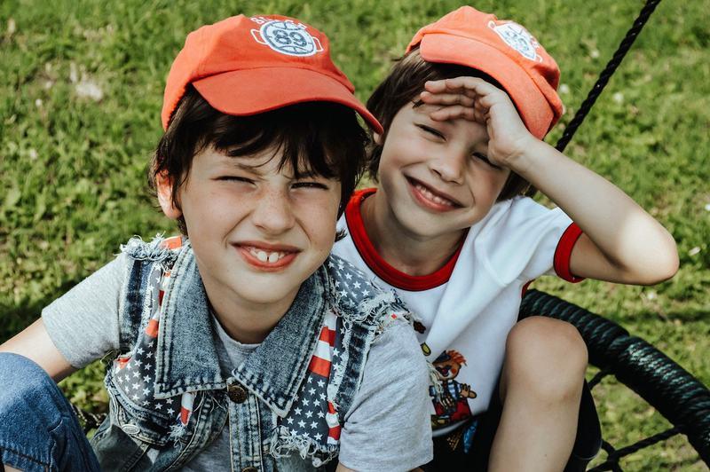 Copiii tai sunt dependenti unul de altul? Sfaturi de la un expert in inteligenta emotionala