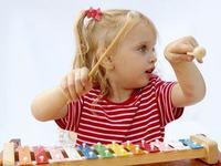 8 jucarii pentru un copil creativ