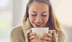 Femeile care beau doua cesti de ceai pe zi traiesc mai mult, potrivit unui studiu