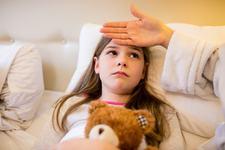 Meningita la copii. Ce germeni duc la imbolnavire si cine este cel mai vulnerabil