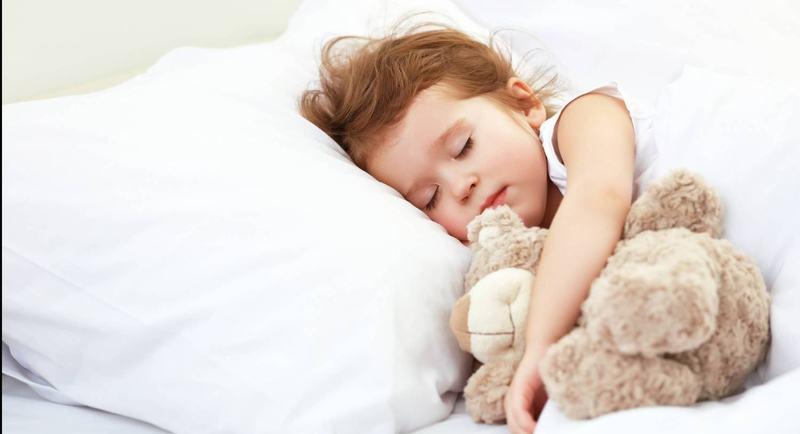 Cum ne ajutam copiii sa aiba un somn odihnitor si o rutina sanatoasa