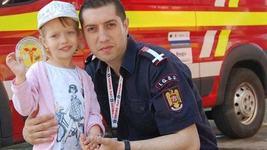 """Mesajul unei fetite pentru tatal sau pompier, aflat in misiune: """"Imi doresc sa nu patesti nimic"""""""