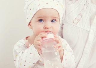 6 sfaturi esentiale de care sa tii cont cand alegi laptele praf pentru bebelusul tau