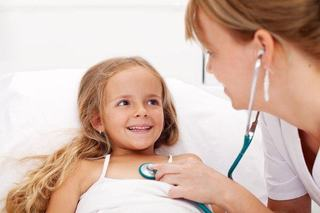Sanatate copii: Artrita idiopatica juvenila - afectiunea care poate reduce autonomia copiilor