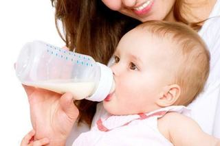Deshidratarea la bebelusi: 5 simptome