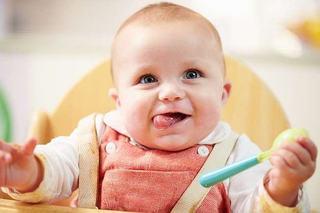 Ghid pentru hranirea corecta a bebelusului. 5 sfaturi pretioase de care sa tii cont