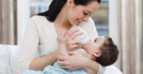 Hranirea bebelusului cu lapte praf. Tot ce trebuie sa stii