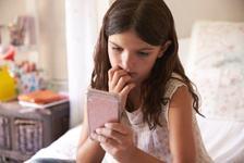 Momo, jocul periculos de pe WhatsApp care ii provoaca pe copii sa se sinucida