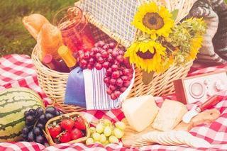 Branzeturile si fructele, meniul ideal pe canicula