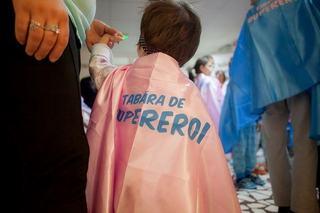 Ziua Halatelor Colorate: GSK Consumer Healthcare coloreaza halatele medicilor pentru a incuraja o atitudine pozitiva a copiilor fata de actul medical