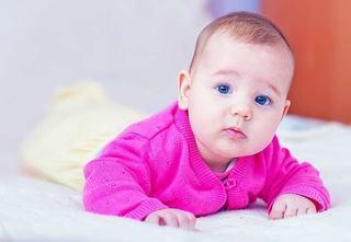13 lucruri ciudate despre bebelus care sunt normale!
