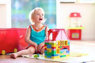 Ghidul parintelui modern. 5 jocuri si jucarii care stimuleaza invatarea independenta la copii