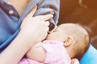 Alaptarea la san si caria dentara la copil