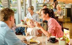 Cina la restaurant impreuna cu bebelusul tau!