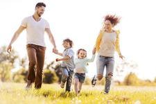 10 momente care iti arata cum este viata INAINTE si DUPA ce ai un copil