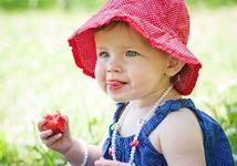 Cand introducem capsunele in alimentatia copilului