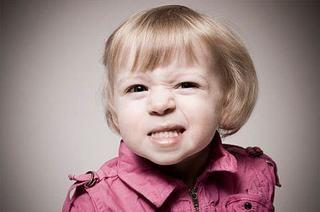 Dintii decolorati sau patati la copii