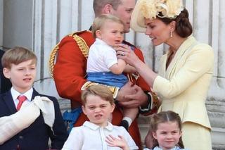 Ducii de Cambridge, felicitare inedita de Craciun! Cum au pozat impreuna cu copiii lor