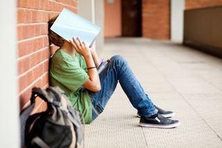 Trei motive pentru care adolescentii au probleme la scoala