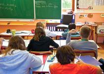 Anuntul presedintelui Frantei: Se vor redeschide cresele, gradinitele, scolile si liceele