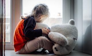 Patru moduri prin care iti distrugi emotional copilul