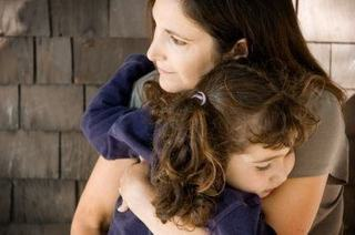 Dependenta copilului de un parinte, cum o recunosti si ce faci?