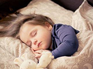 """""""Ritualul de somn"""" care iti va face bebelusul sa doarma toata noaptea, recomandat de pediatru"""