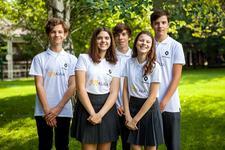 O echipa de copii romani s-a calificat la etapa internationala a competitiei Formula 1 in schools