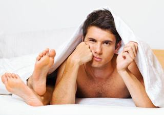 4 greseli pe care le fac femeile in pat