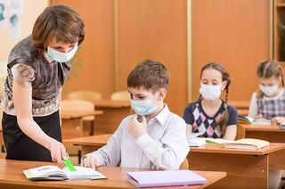 """Ministrul Sanatatii: """"La 3 cazuri de COVID-19 in trei clase diferite, scoala se va inchide"""""""