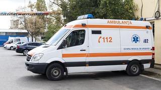 O fetita de 12 ani a murit cu zile, dupa ce ambulana venita pentru fratele ei a refuzat sa o ia la spital