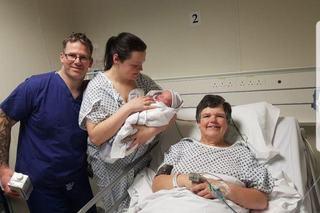 "O femeie a nascut propria nepoata la 55 de ani. ""Nu as ezita sa o fac din nou"""