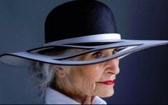 """Sfaturi de pret de la o femeie de 92 de ani, catre toate femeile: """"Pastreaza relatiile doar cu oamenii veseli"""""""