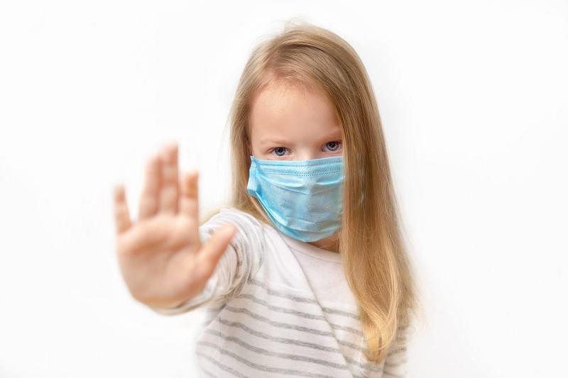 Alerta de masti de protectie neconforme pentru copii