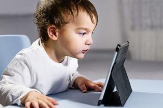 Cum se modifica creierul copiilor cand abuzeaza de ecrane